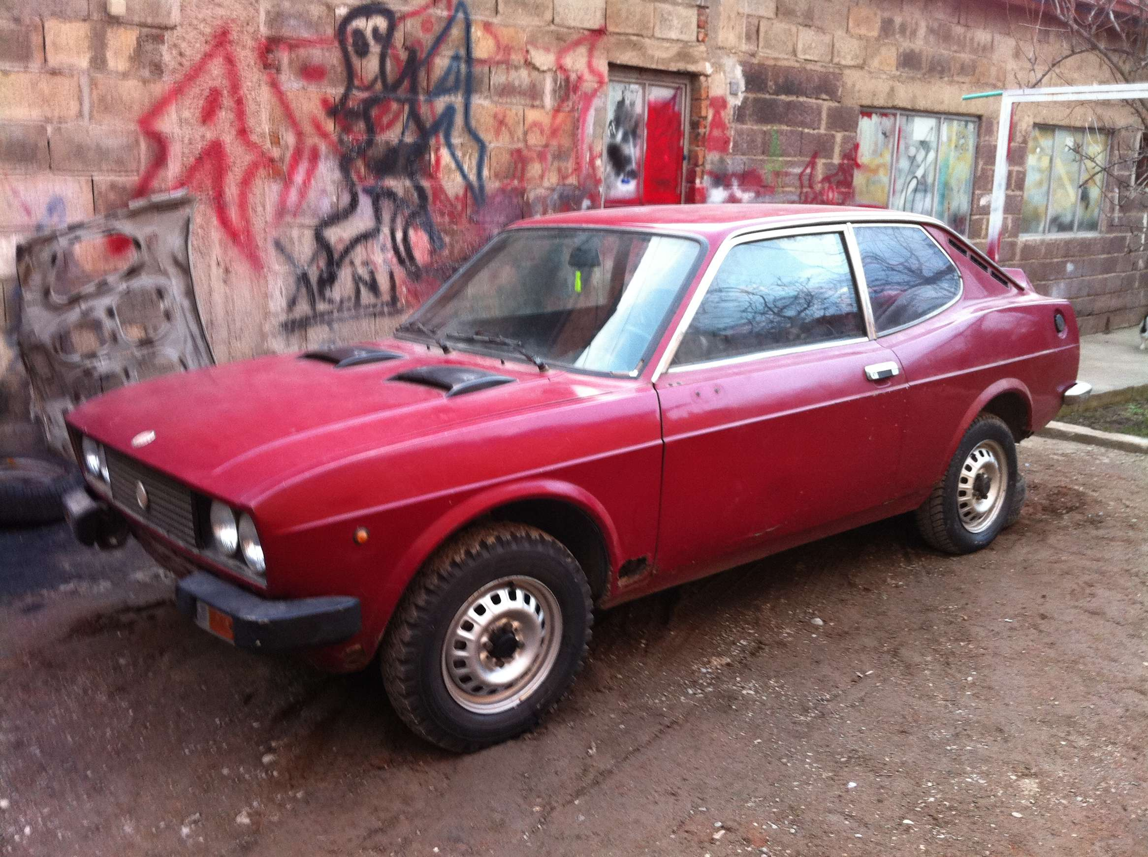 Fiat 128 coupe #7774282