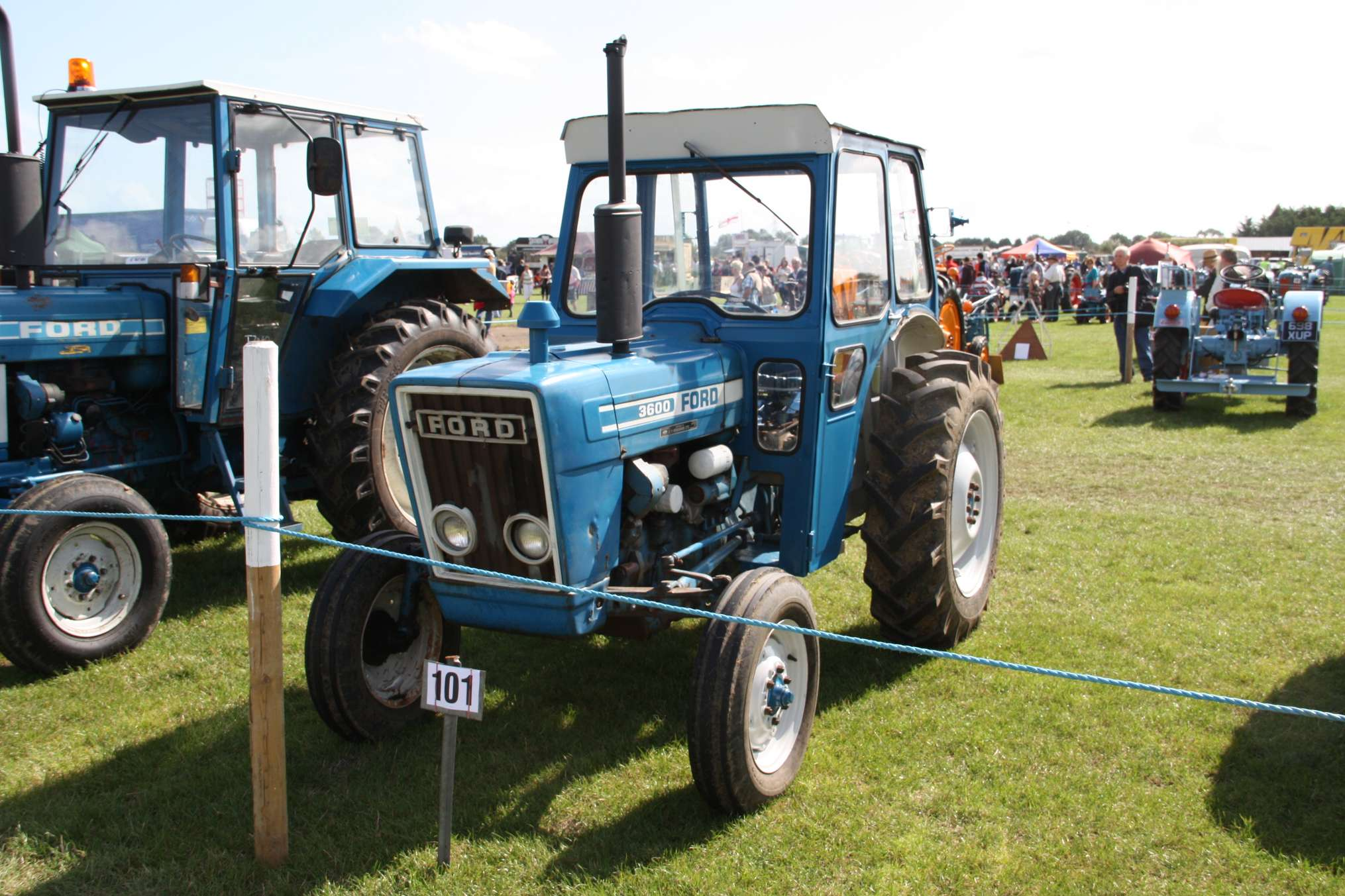 Ford 3600 #7604372