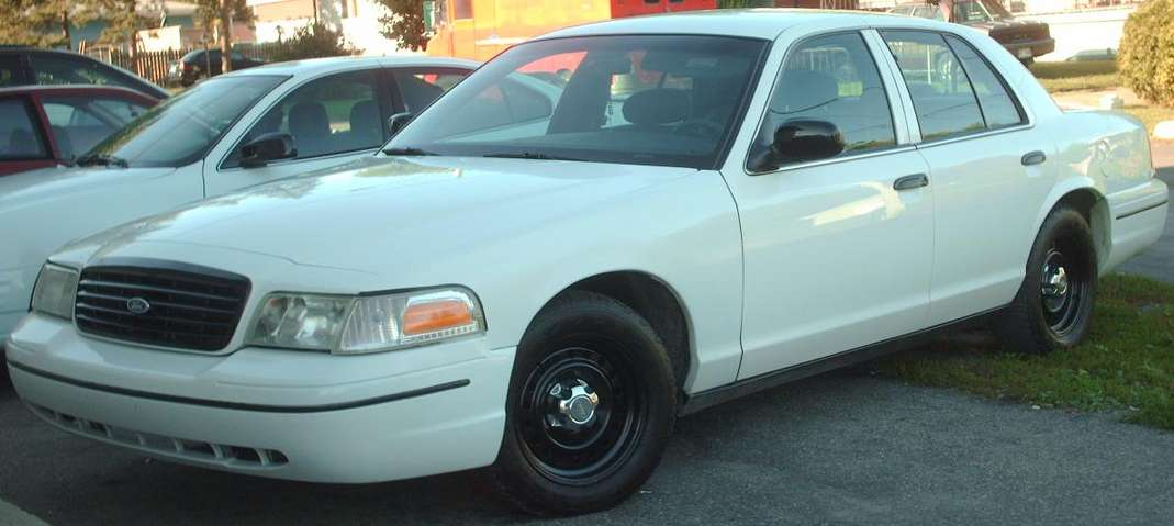 Ford Crown Victoria Police Interceptor #8849184