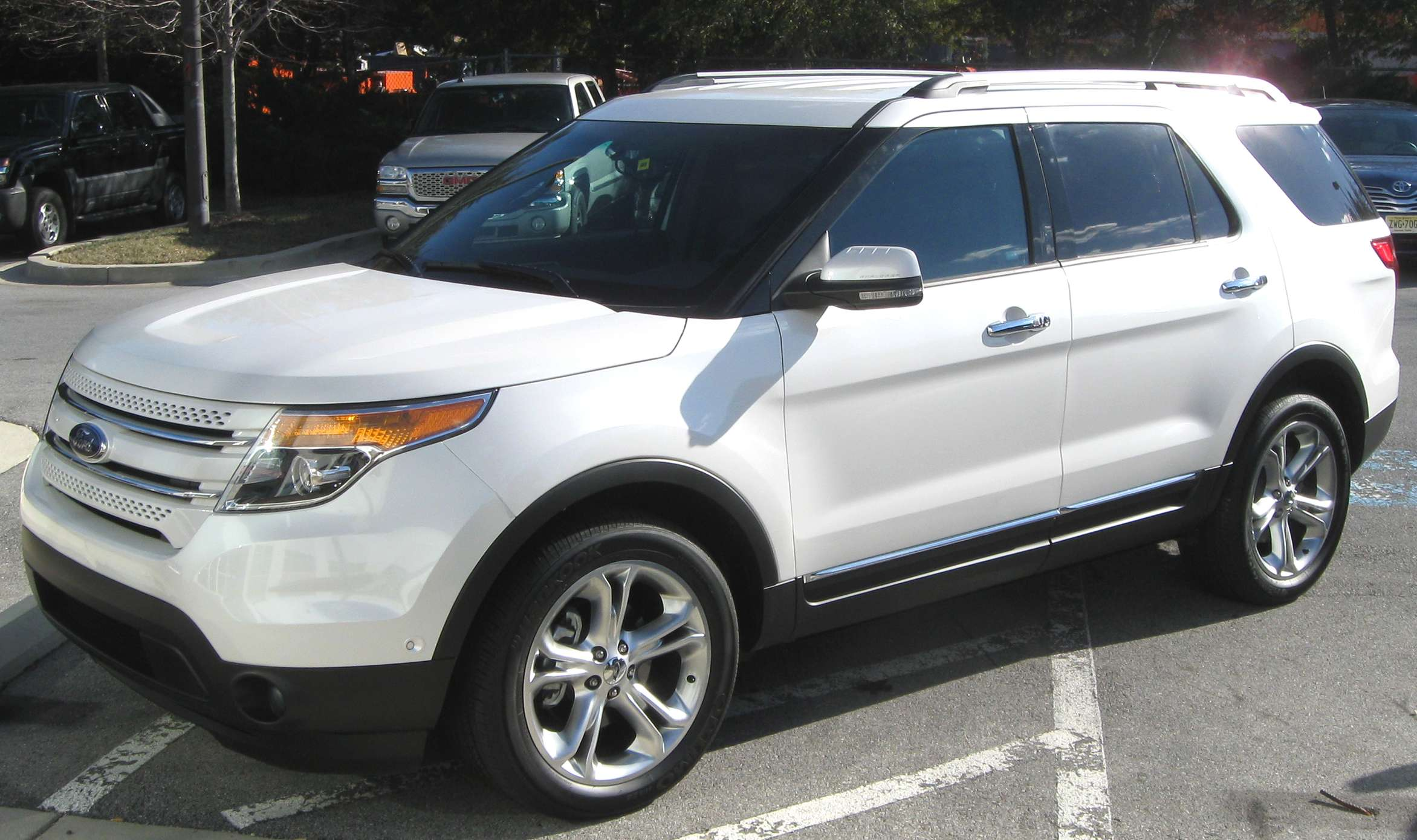 Ford Explorer Limited #7108214