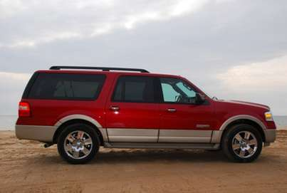 Ford Expedition EL #8911377