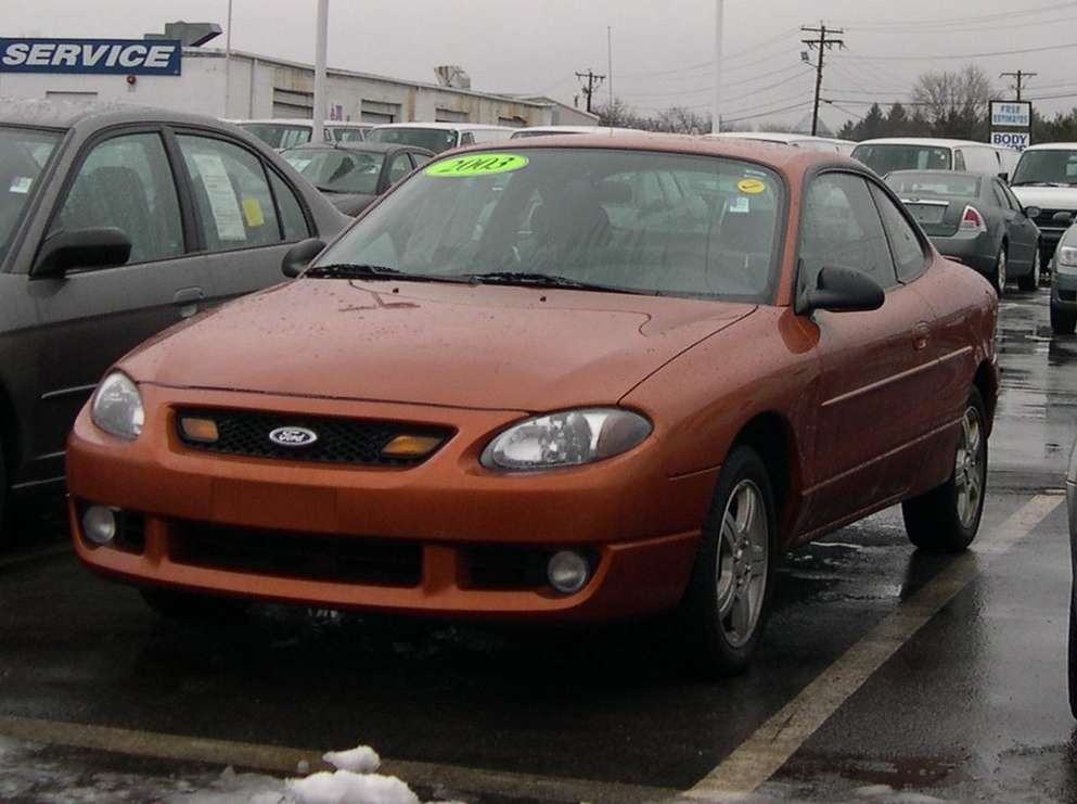 Ford Escort ZX2 #8835385