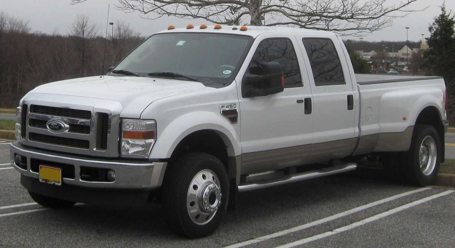 Ford F-450 #9955341