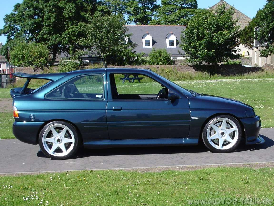 Ford Escort RS Cosworth #9429137