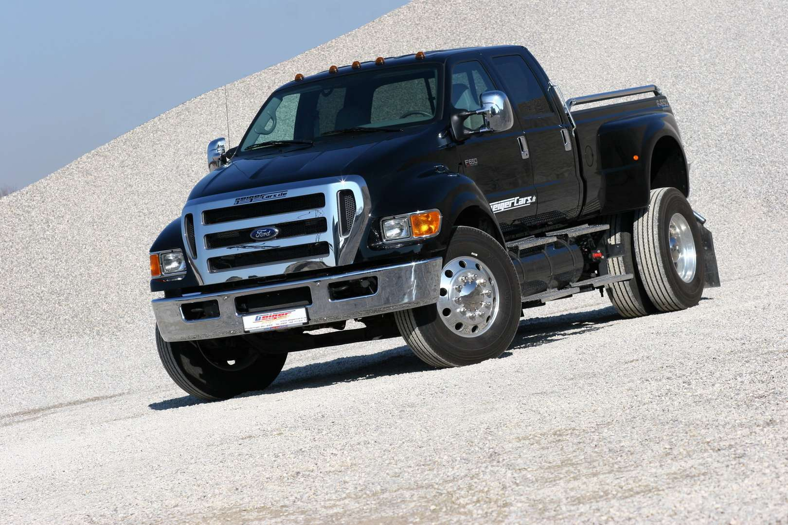 Ford F-750 #9511218