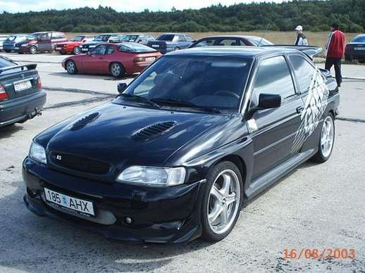 Ford Escort RS2000 #8949350