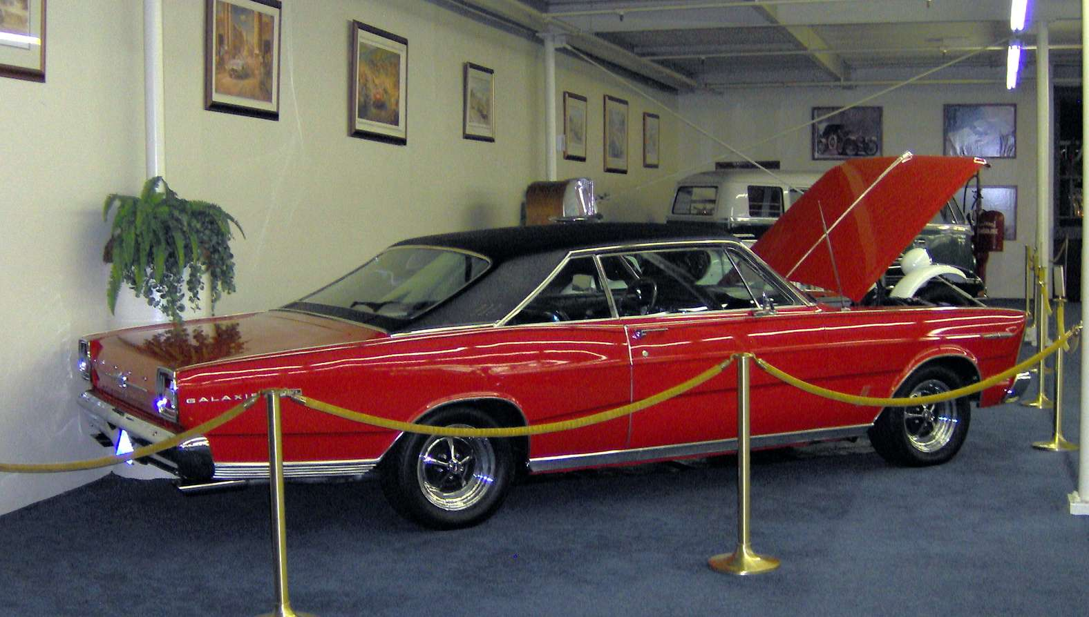 Ford Galaxie 500 #7708177
