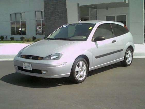 Ford Focus Zx3 #8959360