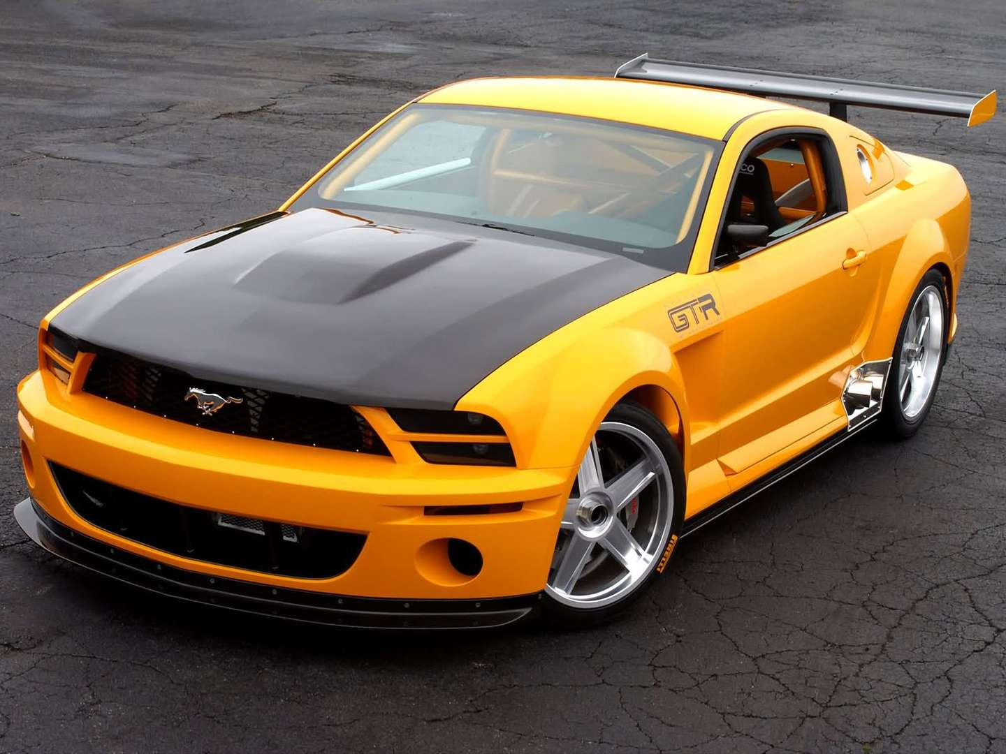 Ford Mustang GT #8438796