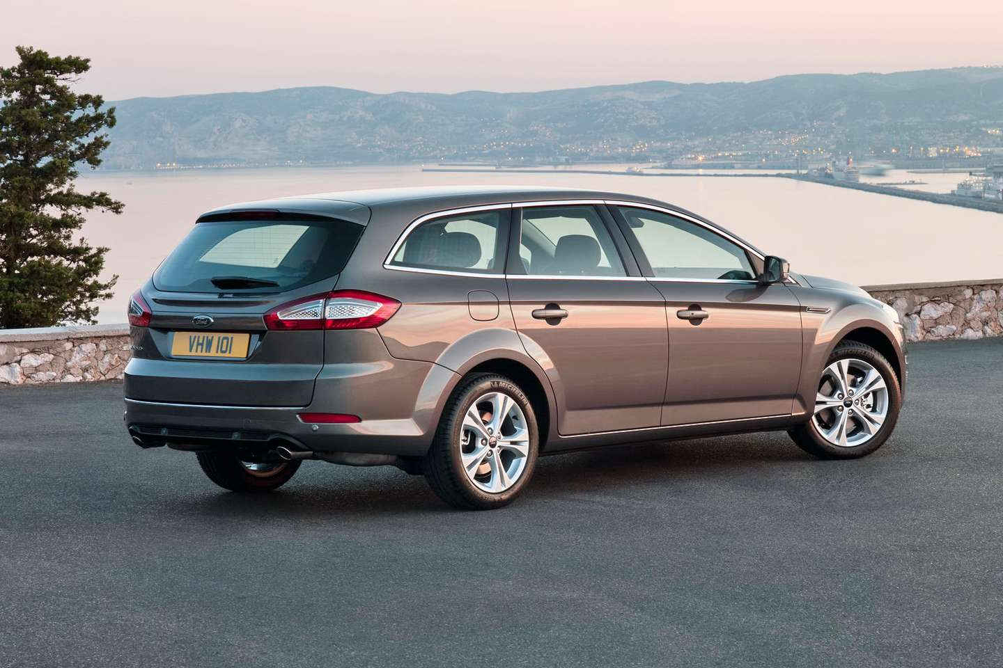Ford Mondeo Estate #8773613