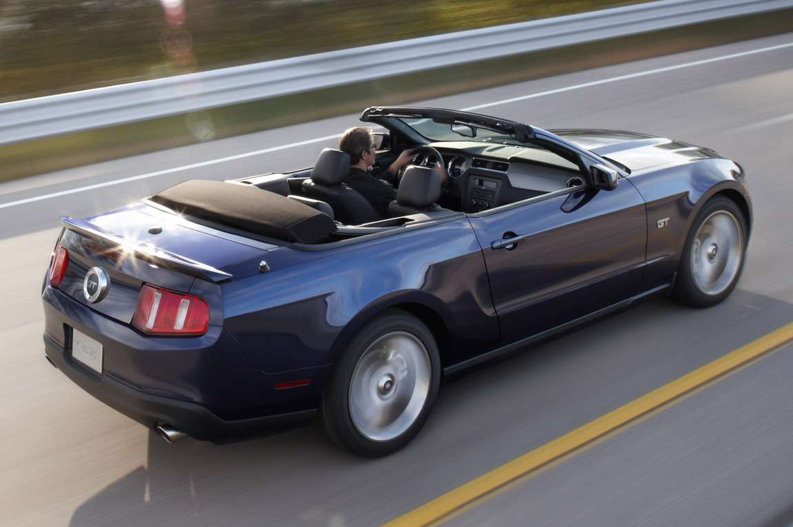 Ford Mustang Convertible #8701812