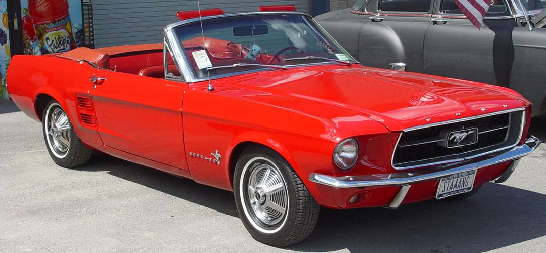 Ford Mustang Convertible #7938457