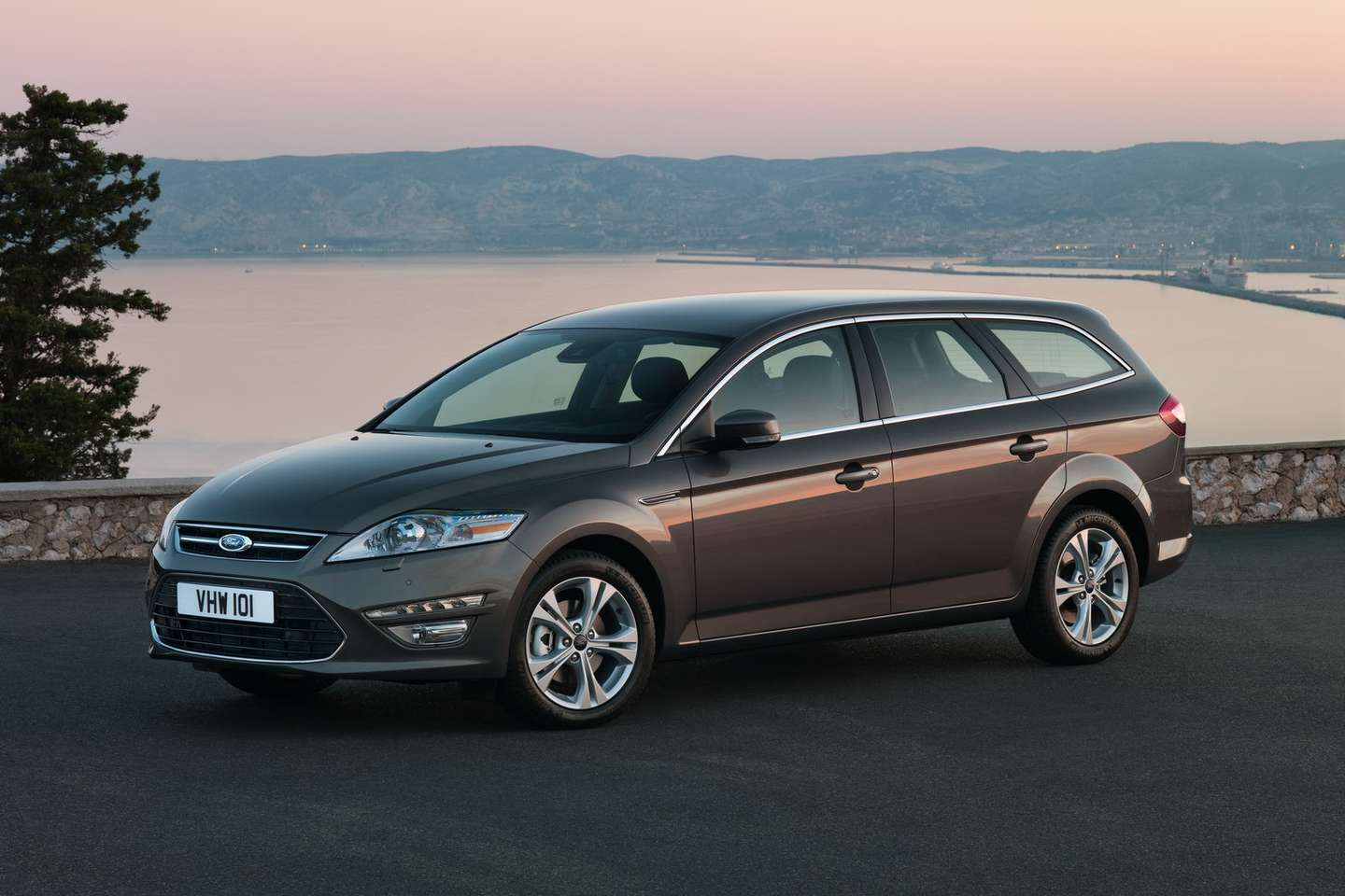Ford Mondeo Estate #8497692