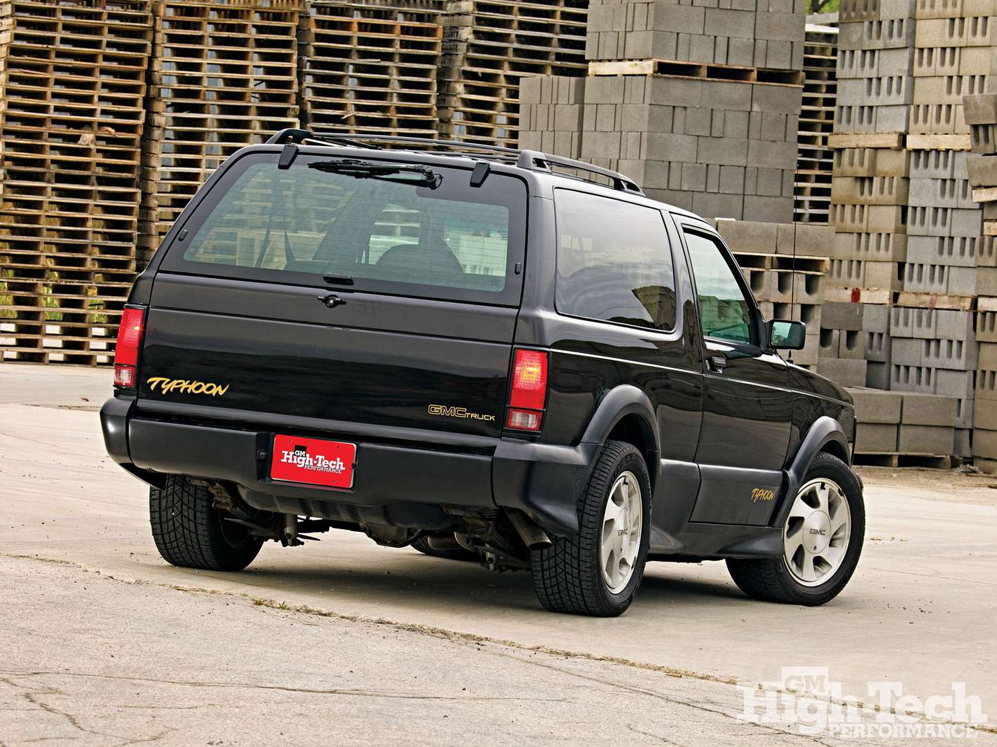 GMC Typhoon #7024977
