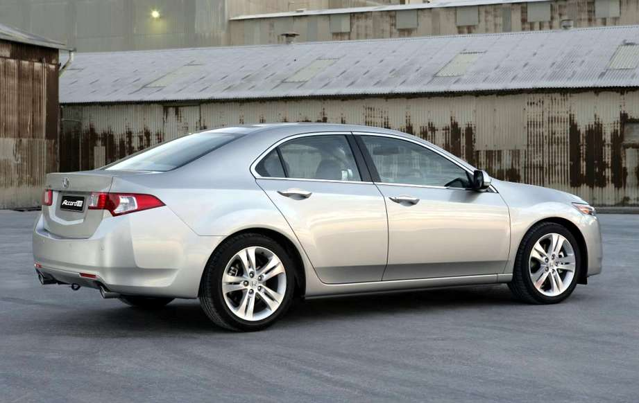 Honda Accord Euro #7933917