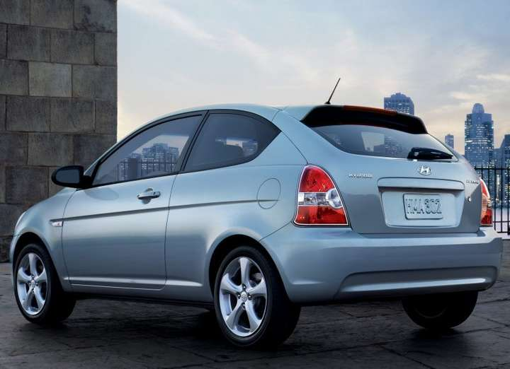 Hyundai Accent hatchback #8124413