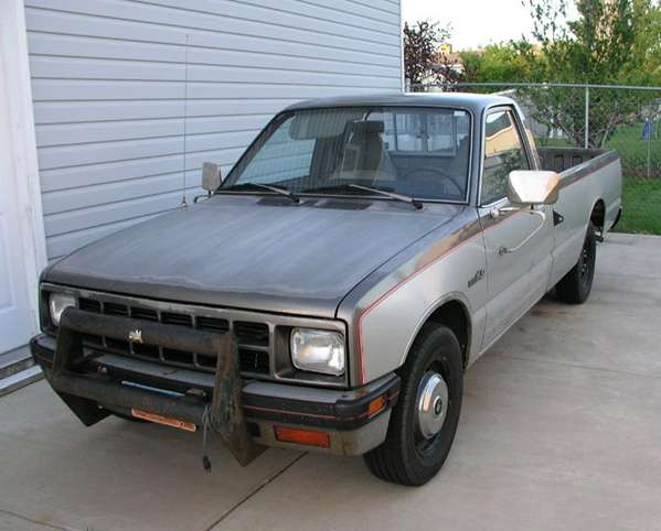 Isuzu Pick-up #8957173