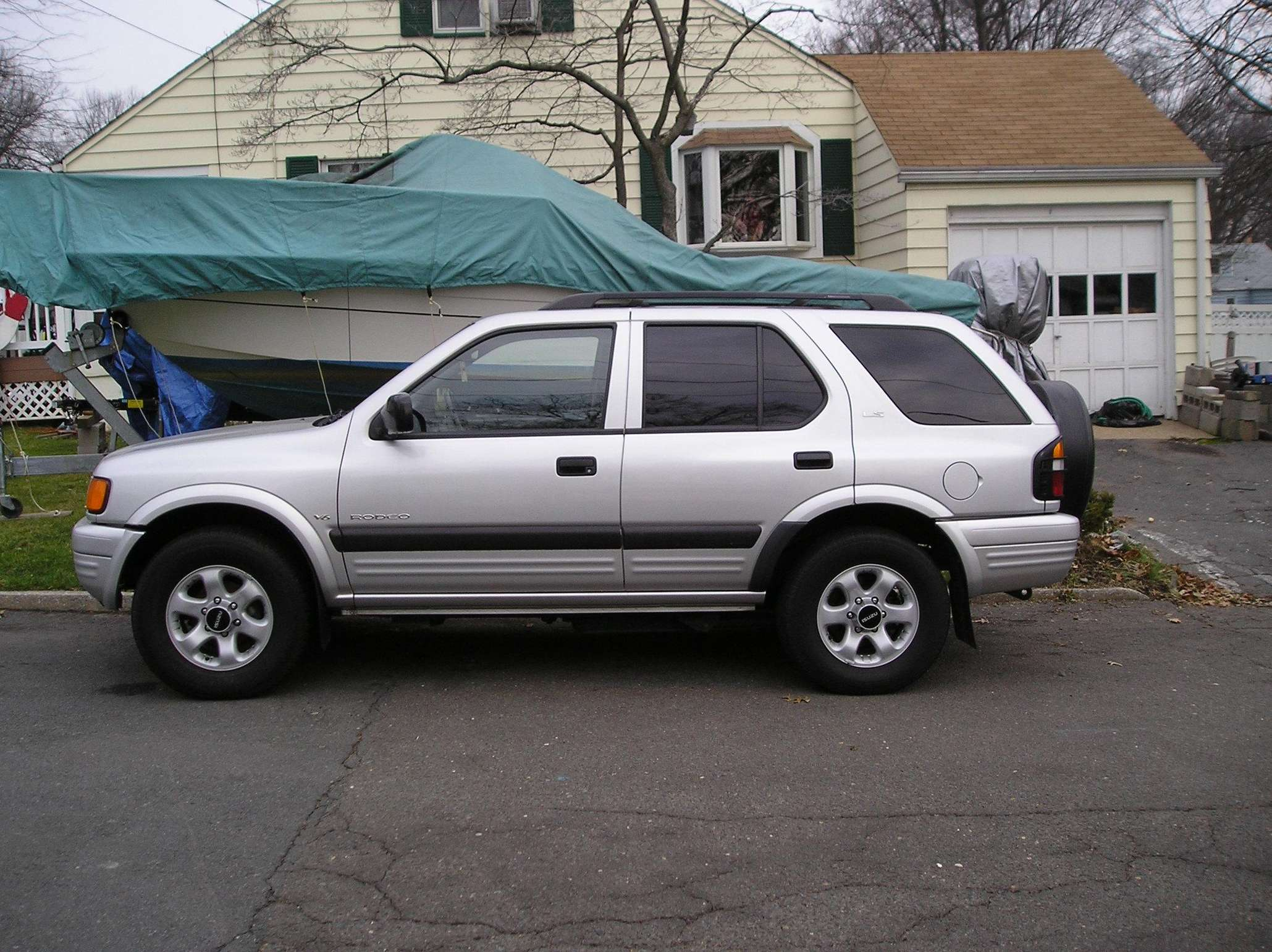 Isuzu Rodeo #9077547
