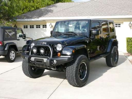 Jeep Wrangler Unlimited Sahara #9832544