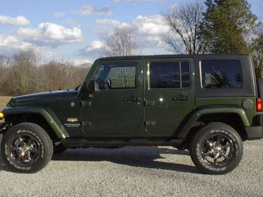 Jeep Wrangler Unlimited Sahara #8895937