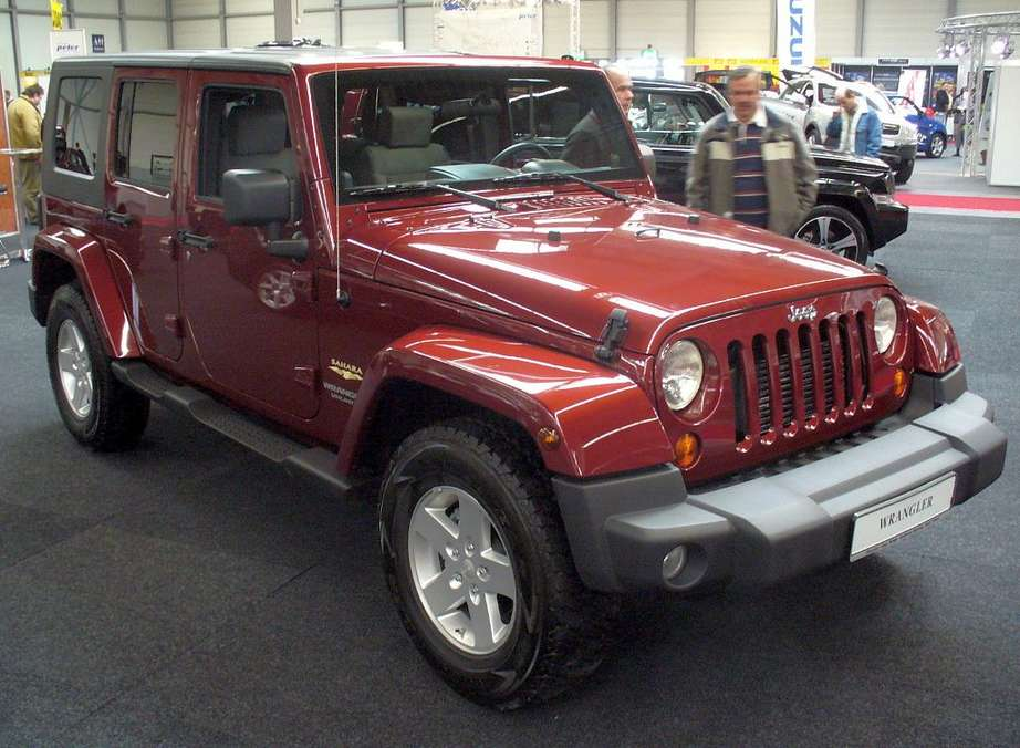 Jeep Wrangler Unlimited Sahara #9744629