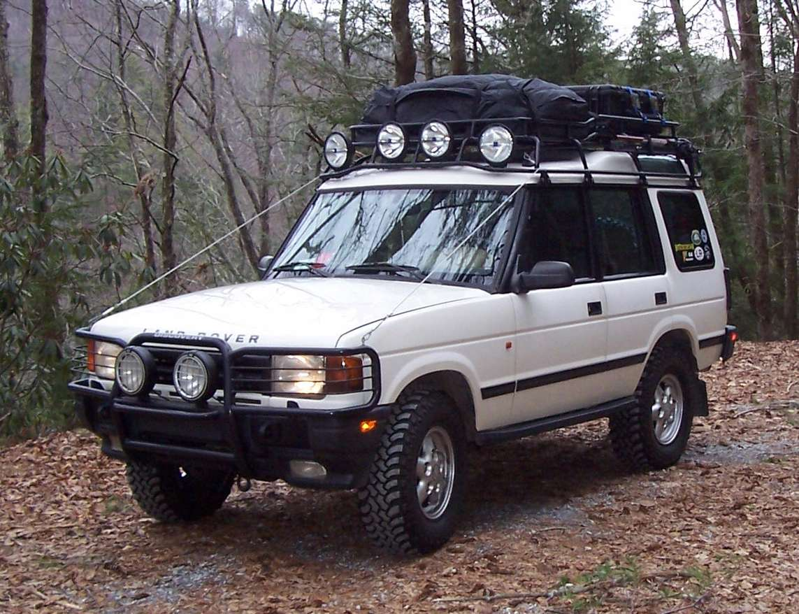 Land-Rover Discovery #8329073