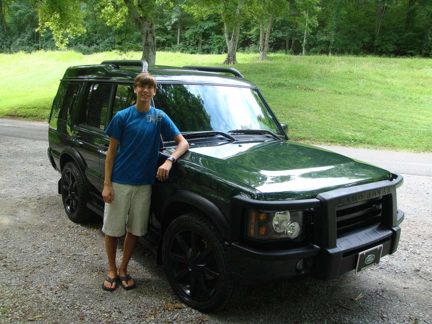 Land-Rover Discovery #9745812
