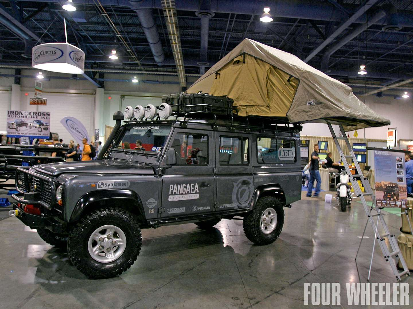 Land-Rover Defender #9936343