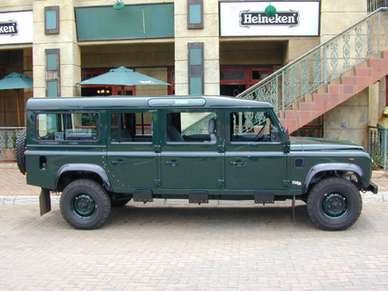 Land-Rover Defender 130 #9220610