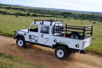 Land-Rover Defender 130 #9282686