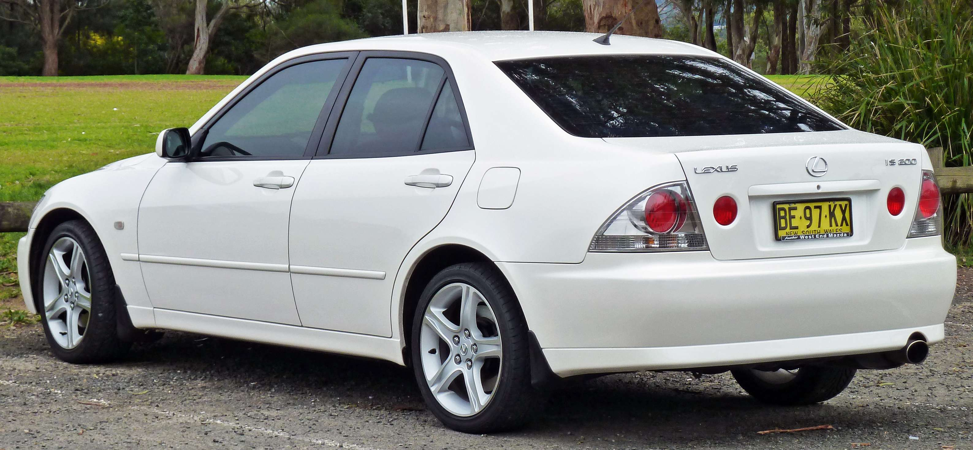 Lexus IS 200 #8741876