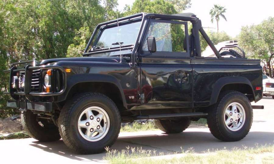 Land-Rover Defender 90 #8698492