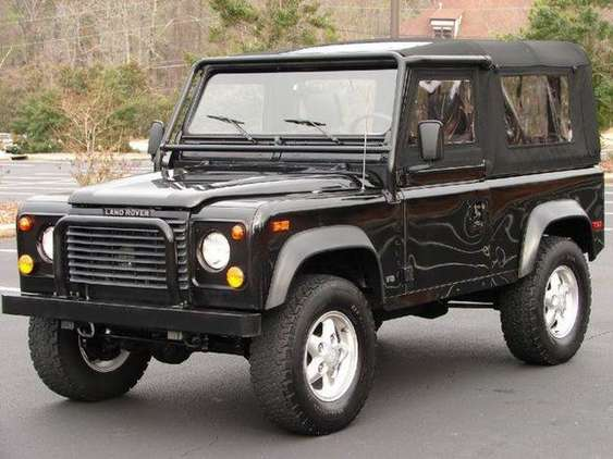 Land-Rover Defender 90 #8779665