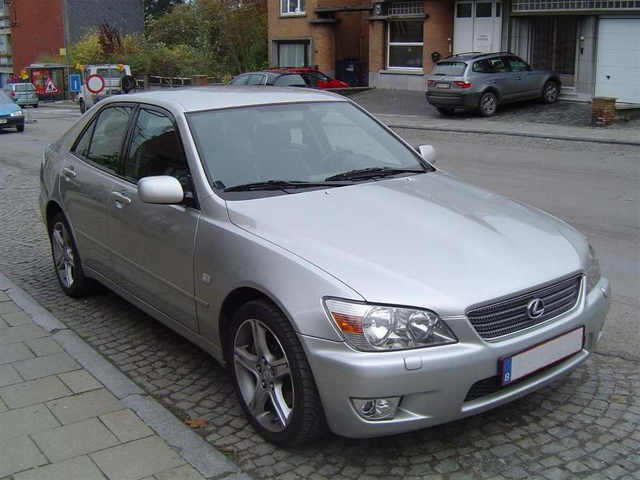 Lexus_IS_200
