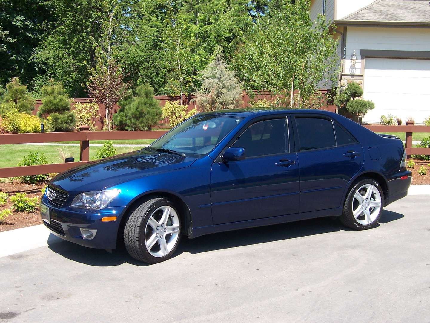 Lexus IS200 #8297366