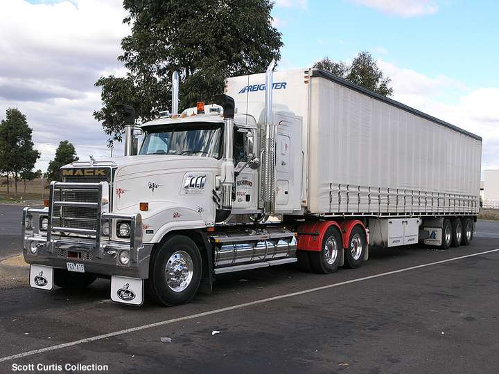 Mack_Superliner