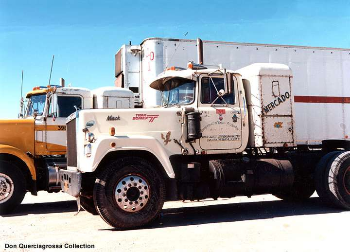 Mack Superliner #8940099
