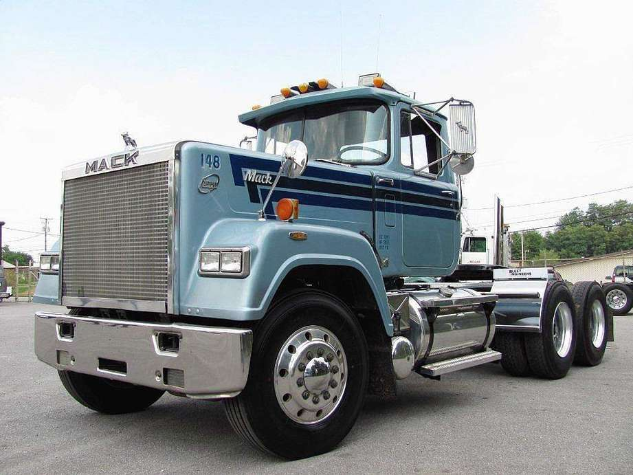 Mack Superliner #9789925