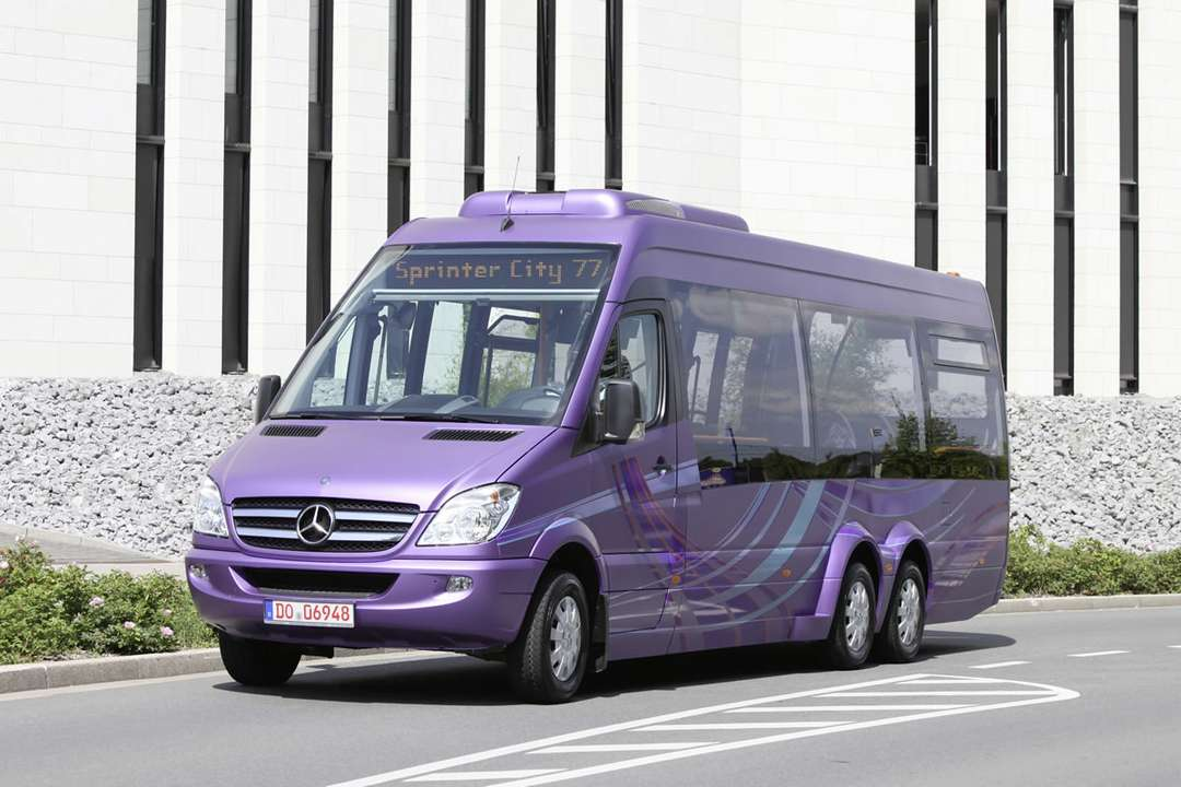 Mercedes-Benz Sprinter #8131712