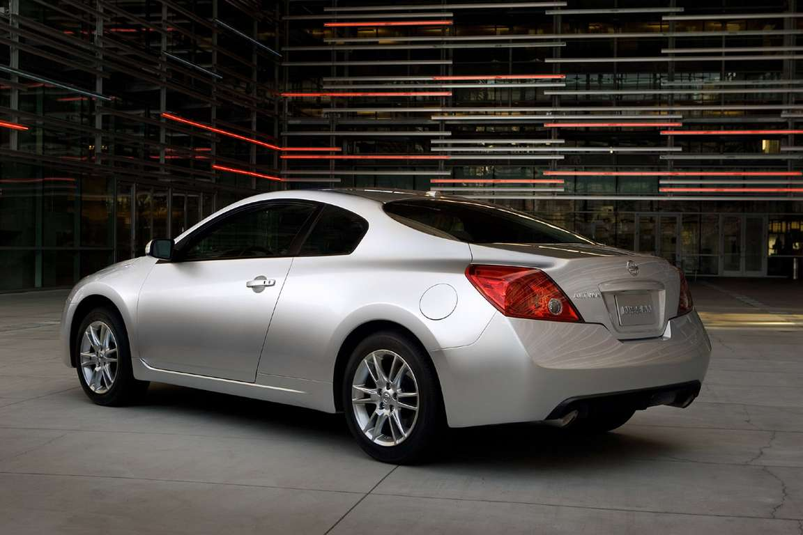 Nissan Altima Coupe #8107282