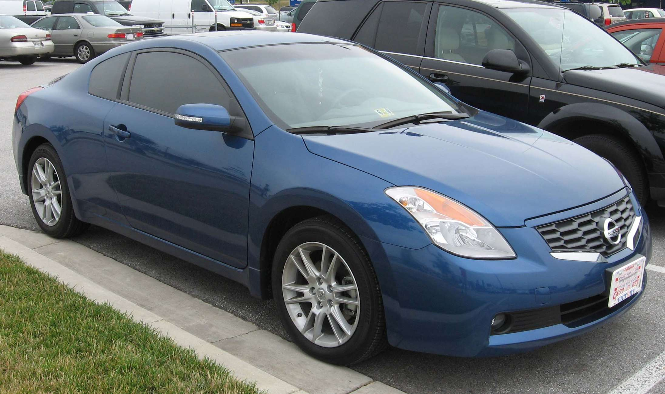 Nissan Altima Coupe #7142977