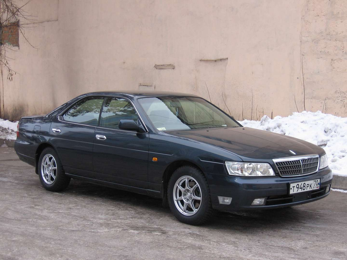Nissan Laurel #7386735