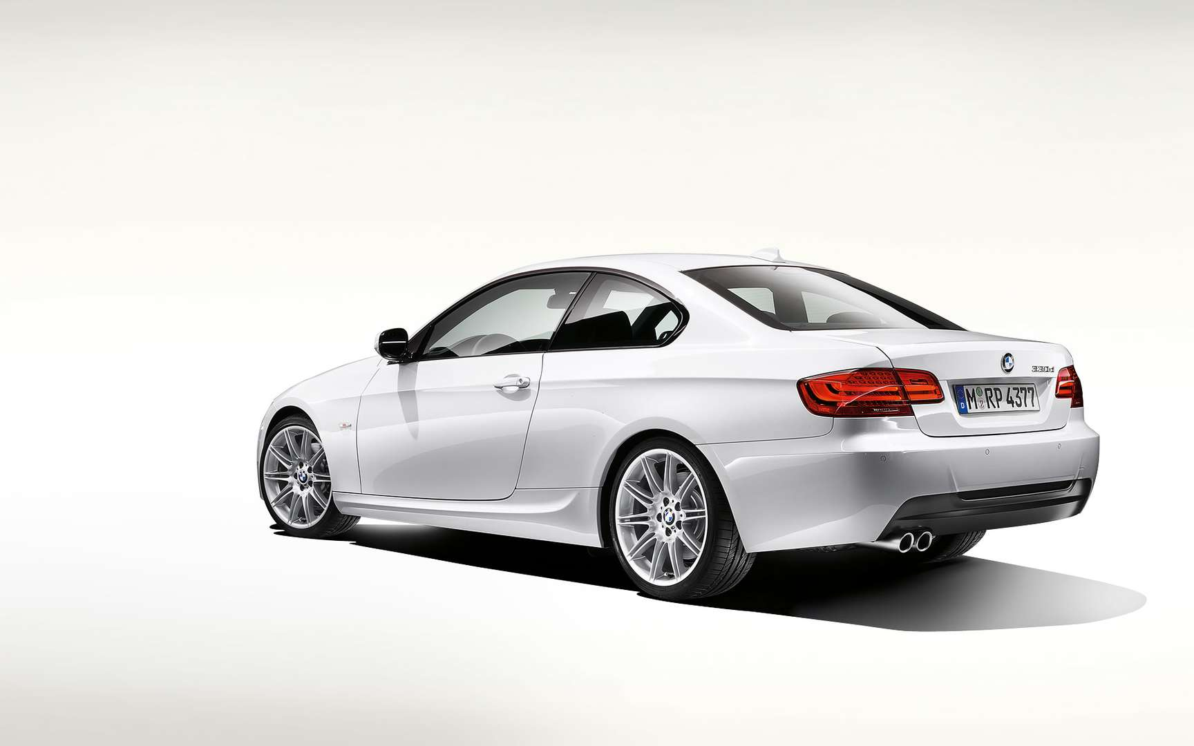 BMW 320 Coupe #7653594
