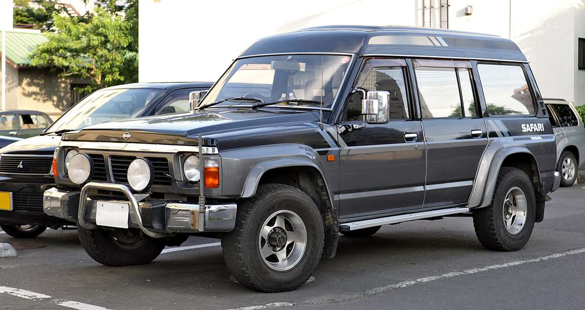 Nissan Safari #8681590