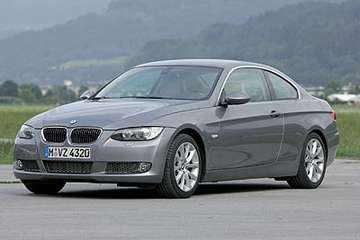 BMW 320 Coupe #9395766