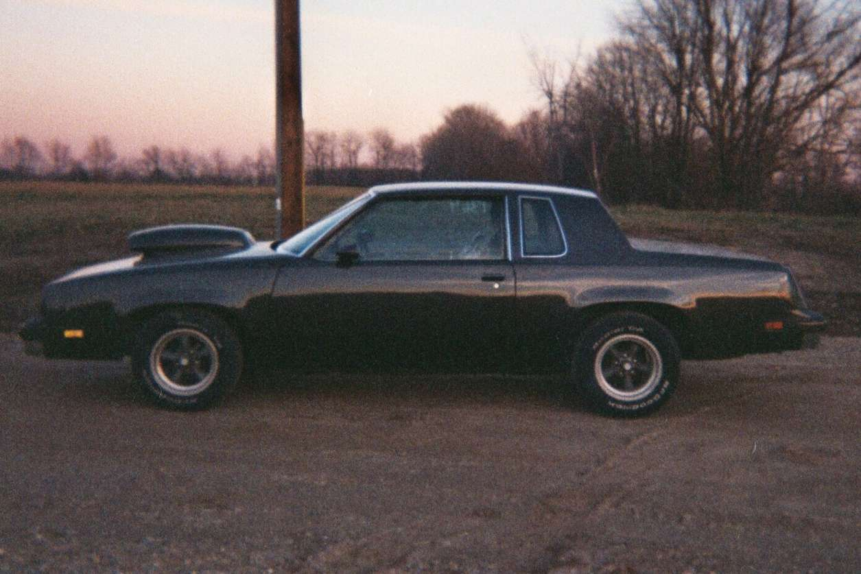 Oldsmobile Cutlass #8822848