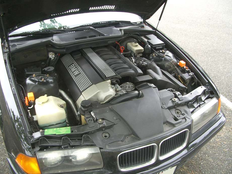 BMW 325is #8614736