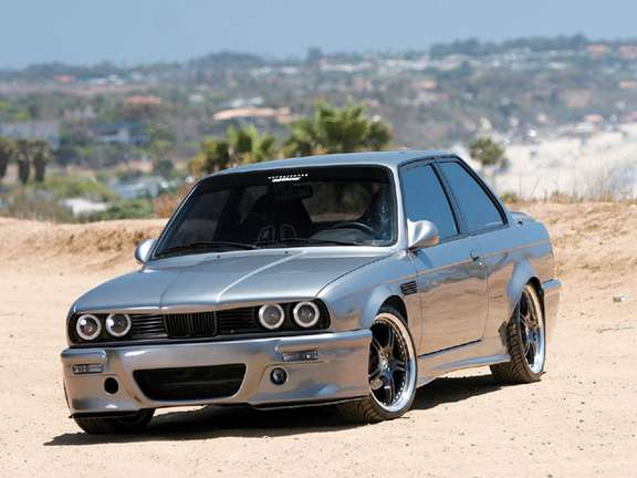 BMW 325is #9251419