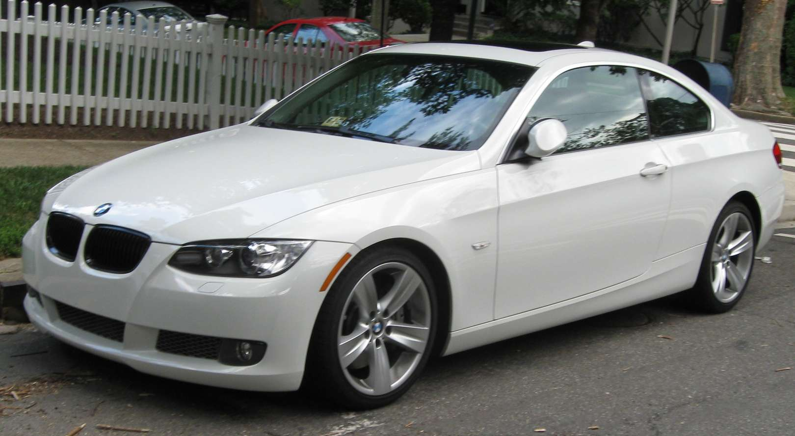 BMW 335i Coupe #7098590
