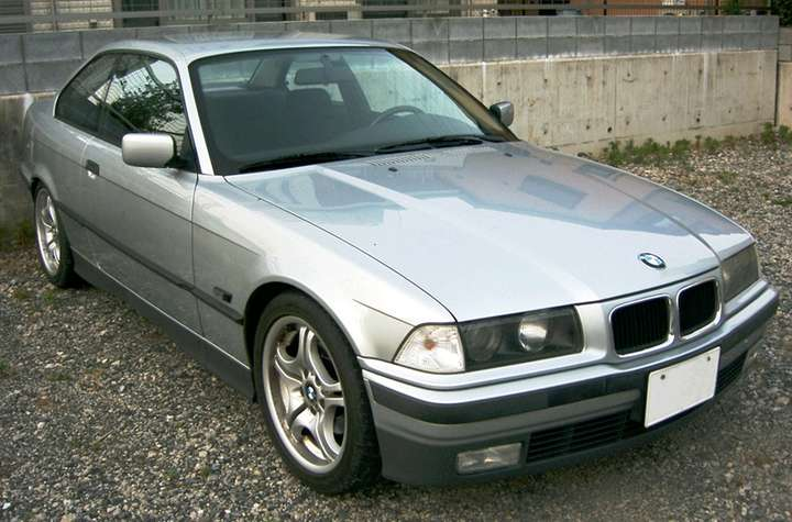 BMW 318 is #9235018